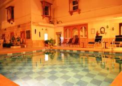瑟亚别墅 - 城市中心酒店 - 斋浦尔 - 游泳池