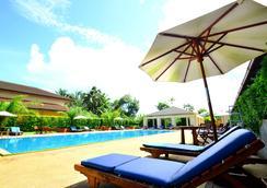 Tinidee Hotel @ Ranong - 拉廊 - 游泳池