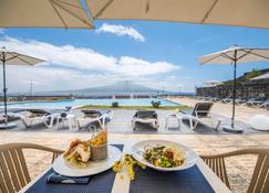 法亚尔阿佐利斯花园度假酒店 - 奥尔塔 - 露天屋顶