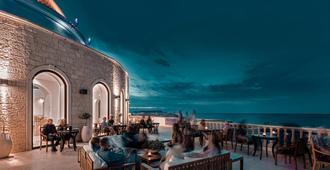 米茨斯拉古娜度假水疗酒店 - 赫索尼索斯 - 酒吧