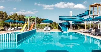 米提赛瑞比奇度假村 - 科斯镇 - 游泳池