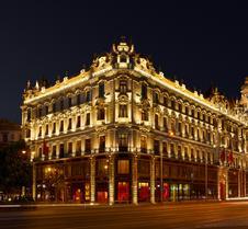 布达佩斯克洛提德宫佛陀吧酒店