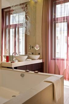布达佩斯克洛提德宫佛陀吧酒店 - 布达佩斯 - 浴室