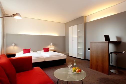 安科纳莫酒店 - 斯图加特 - 睡房