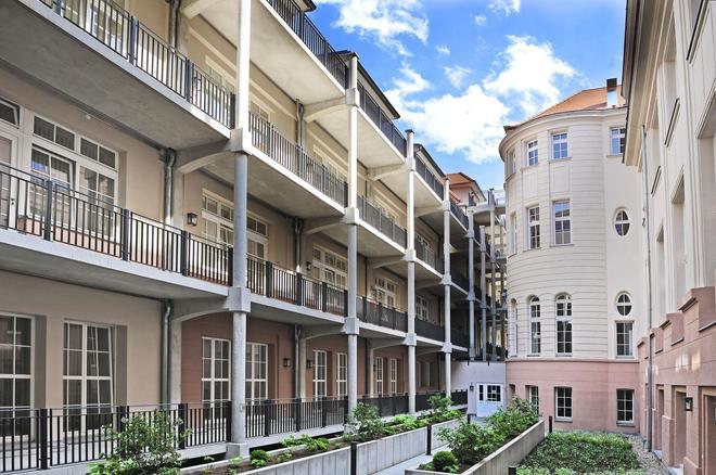巴登巴登巴沙利维也纳联排别墅 - 巴登-巴登 - 建筑