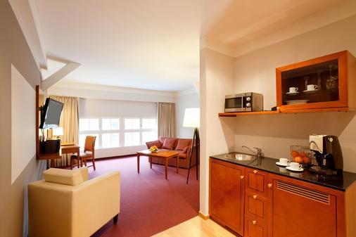 安科纳生活巴沙利8号酒店 - Baden-Baden - 厨房