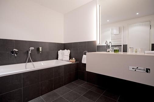 阿克娜巴赫 14 生活旅馆 - 莱比锡 - 浴室
