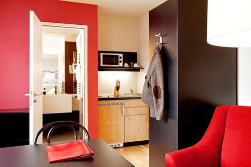 阿克娜巴赫 14 生活旅馆 - 莱比锡 - 睡房
