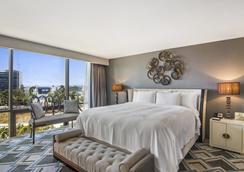 洛杉矶市区酒店 - 洛杉矶 - 睡房