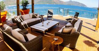 国际艾雷根斯酒店 - 马尔马里斯 - 阳台