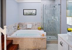纽波特海滩酒店 - 纽波特海滩 - 浴室