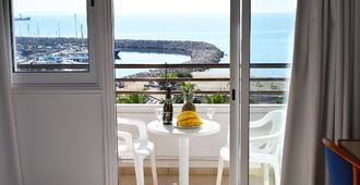 太阳堂海滩酒店公寓 - 拉纳卡 - 阳台