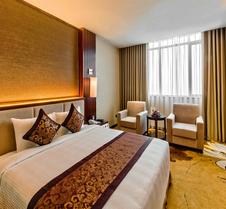 广宁孟清豪华酒店