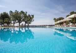 金色海滩 - 舒适及精品公寓式酒店 - 萨罗(伦巴第大区) - 游泳池