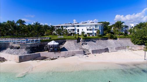坎昆普拉亚斯瑟鲁斯马酒店 - 坎昆 - 海滩