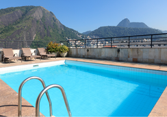 科帕卡巴纳顶级酒店 - 里约热内卢 - 游泳池