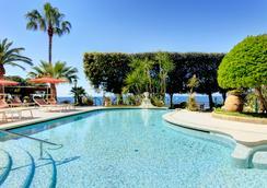 安巴夏托理大酒店 - 索伦托 - 游泳池