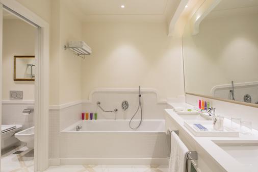 皇家大酒店 - 索伦托 - 浴室