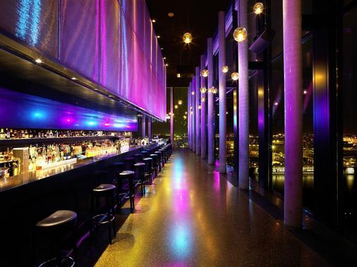 帝王河畔酒店 - 汉堡 - 酒吧