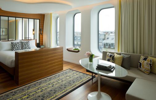巴黎共和万丽酒店 - 巴黎 - 睡房