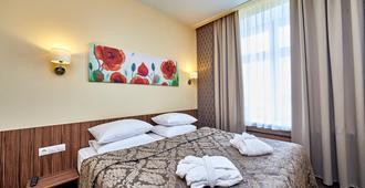 罗西亚酒店 - 圣彼德堡 - 睡房