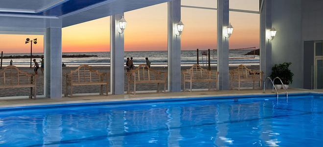 尼盛万丽酒店 - 特拉维夫 - 游泳池