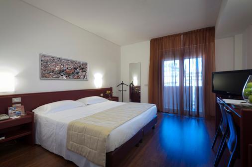 阿斯托瑞亚宫酒店 - 巴勒莫 - 睡房