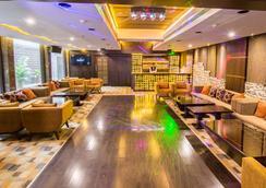 Hotel Centre Point - 那格浦尔 - 休息厅