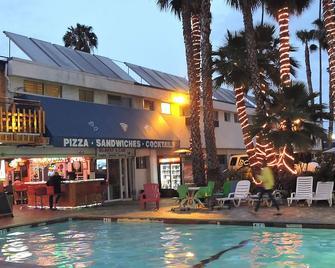 洛杉矶冒险家全套房酒店 - 英格尔伍德 - 建筑