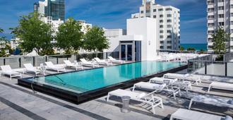 加莱南滩酒店-希尔顿格芮精选 - 迈阿密海滩 - 游泳池