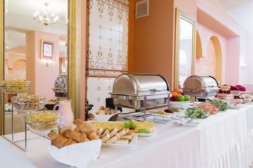 波拉斯特拉瓦酒店 - 圣彼德堡 - 自助餐