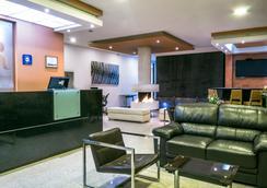费利亚公寓式酒店 - 波哥大 - 大厅