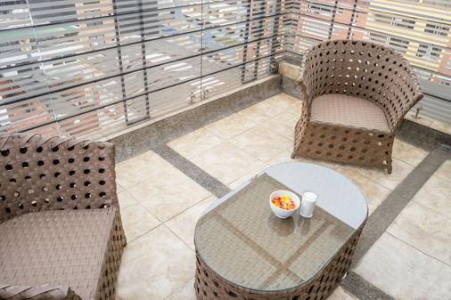 拉菲拉摄政套房酒店 - 波哥大 - 阳台