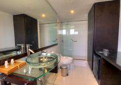 圣拓利尼精品酒店 - 圣玛尔塔 - 浴室