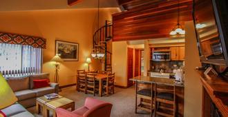 Aspen at Streamside, a VRI resort - 范尔 - 客厅