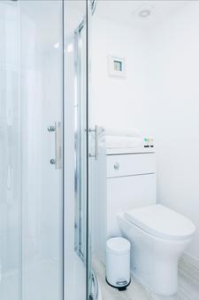Brighton Marina House Hotel - B&B - 布赖顿 / 布莱顿 - 浴室