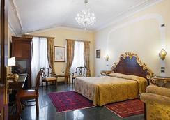 德埃珀卡圣卡希亚诺酒店 - 威尼斯 - 睡房