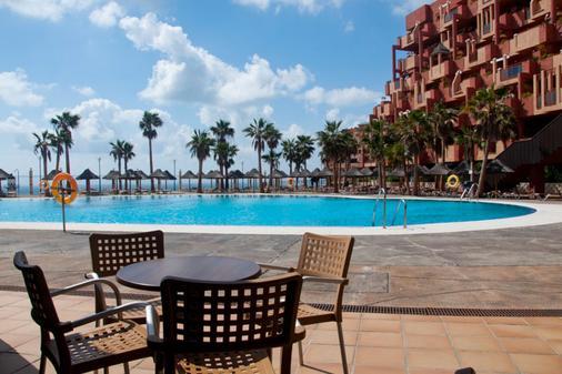 Holiday World Premium Resort - Benalmádena - 游泳池