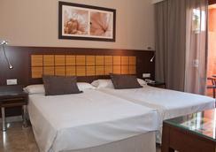 Holiday World Premium Resort - Benalmádena - 睡房