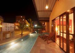 Treasure Island Resort - Lonavala - 游泳池
