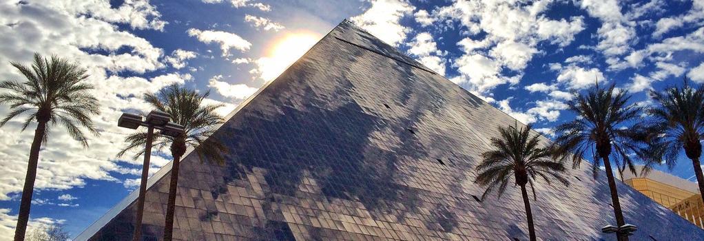 卢克索酒店 - 拉斯维加斯 - 建筑