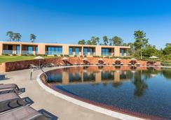 莫尔加多高尔夫乡村俱乐部酒店 - 波尔蒂芒 - 游泳池