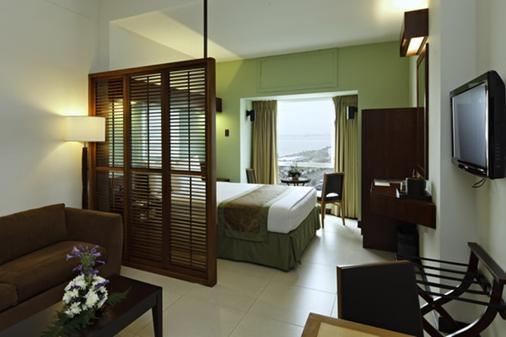 亚洲购物中心温德姆麦克罗特酒店 - Pasay - 睡房