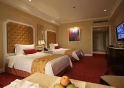 Maxims Hotel - Pasay - 睡房