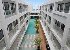 柯伦特阿斯托里亚酒店 - 长滩岛 - 建筑