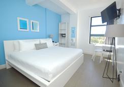 好莱坞设计套房海滩度假村 - 好莱坞 - 睡房