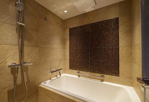 东京奥克伍德尊贵酒店 - 东京 - 浴室