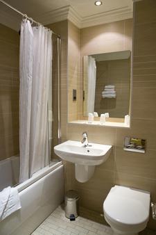 爱丁堡弗雷德里克大楼酒店 - 爱丁堡 - 浴室