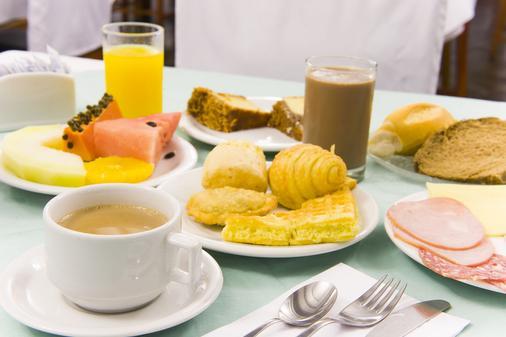 贝拉意大利酒店 - 伊瓜苏 - 食物