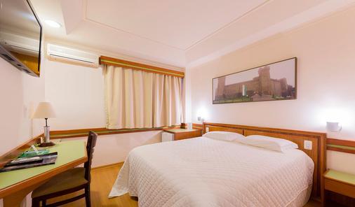 贝拉意大利酒店 - 伊瓜苏 - 睡房